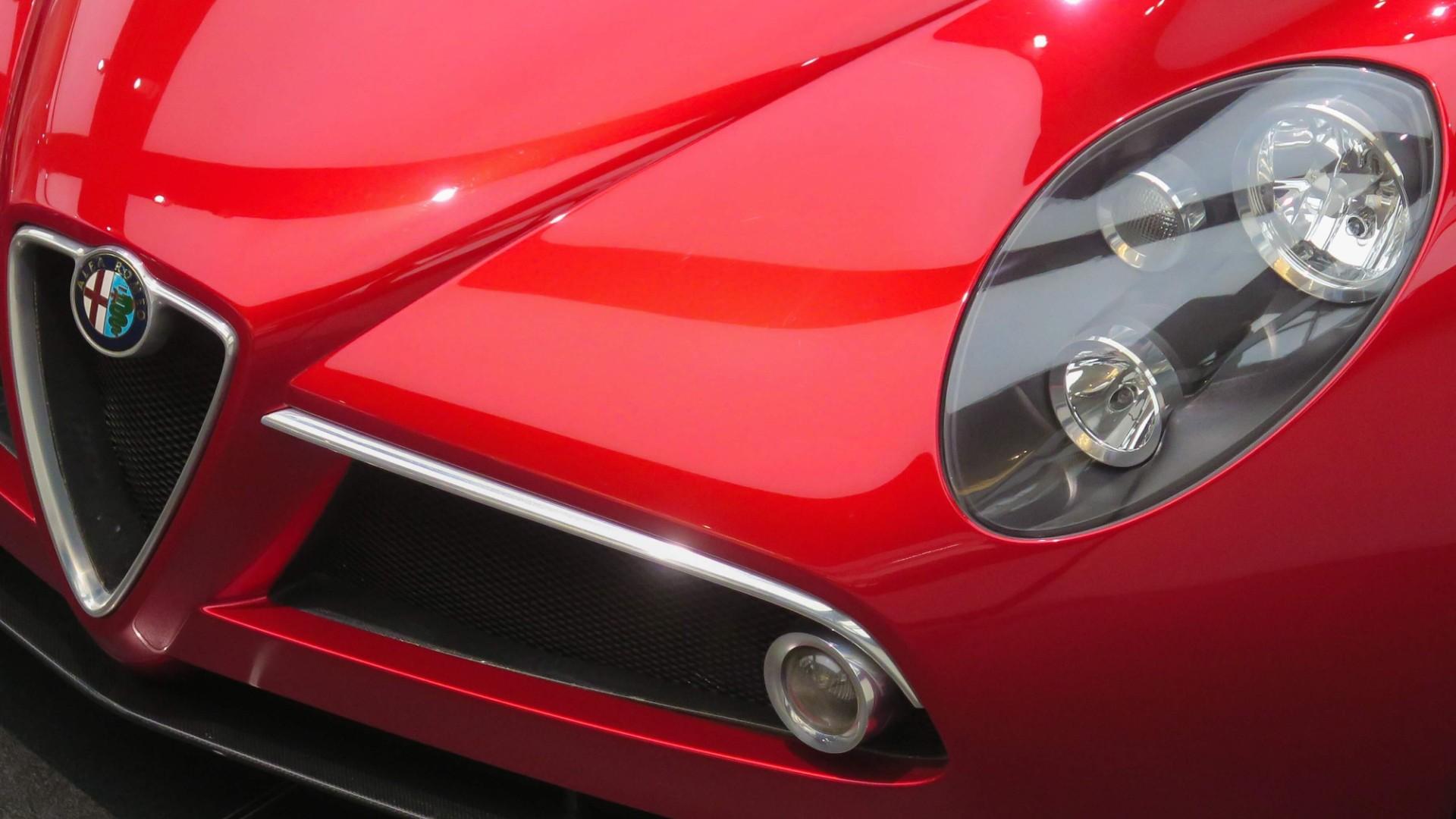 Alfa Romeo 8C Insurance Header Image