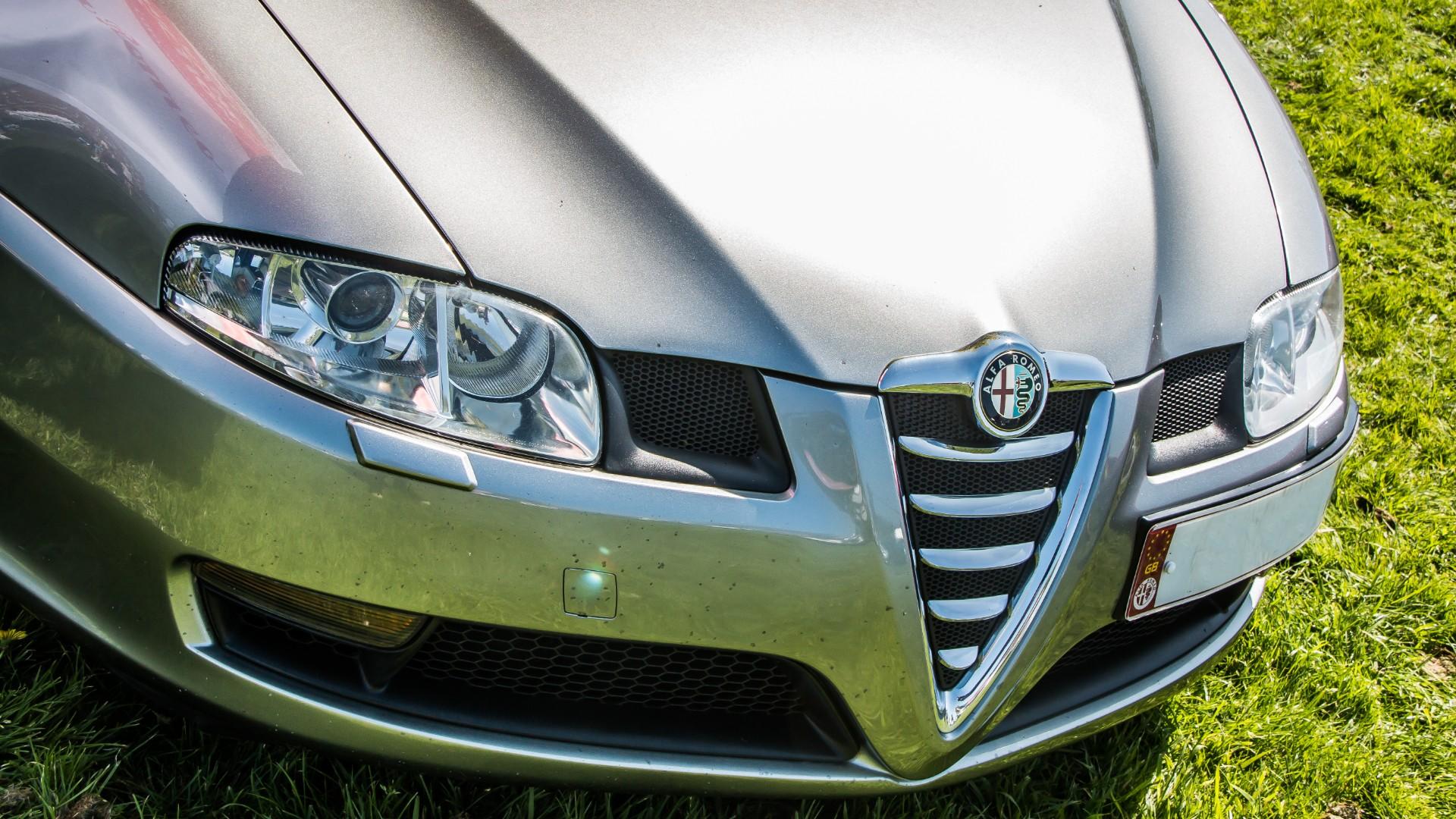 Alfa Romeo GT Car Insurance Header Image